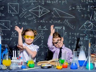 W Akademii Pana Kleksa dzieci poznają metody nauki poprzez doświadczenia (fot. mat. organizatora)
