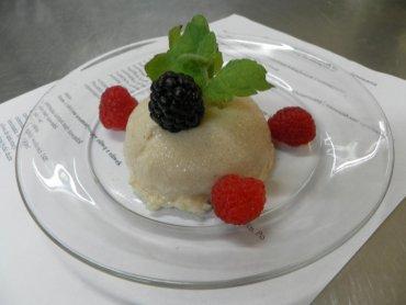 Babeczka z kaszy manny z cynamonem (fot. mat. Cynamonu)