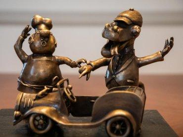To model rzeźby z brązu, która stanie na bajkowym szlaku w Bielsku-Białej (fot. UM Bielsko-Biała)