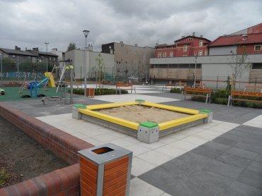 Plac zabaw znajduje się przy ul. Hutniczej w Chorzowie (fot. mat. UM Chorzów)