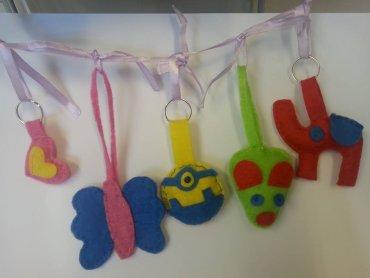 Własnoręcznie wykonane plecaki i breloki wkrótce przydadzą się dzieciom w szkołach i przedszkolach (fot. mat. organizatora)