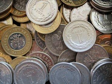 75 km ułożonych w jeden szereg złotówek pozwoli pomóc dzieciom i pobić rekord Guinnessa (fot. pixabay)