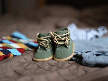 Buciki i ubranka, z których dzieci wyrosły, można wymienić lub sprzedać 7 września na Pchlim Targu (fot. pexels)