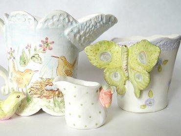 Na zajęciach w pracowni Rzeźby i Ceramiki w Gliwicach będzie można wykonać naczynia i ozdoby z gliny (fot. foter.com)