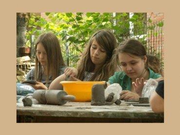 Zajęcia z ceramiki rozwijają kreatywność i zdolności manualne (fot. materiały Stowarzyszenia Forum Ceramików)