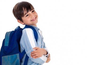 Niewłaściwe noszenie plecaka szkolnego może powodować problemy zdrowotne (fot. materiały prasowe)