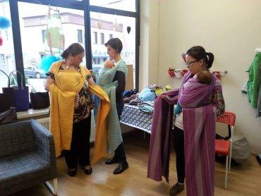 Spotkanie w Mamince pozwoli rozwiać wszelkie wątpliwości dotyczące noszenia dzieci w chustach i nosidłach (fot. mat. organizatora)