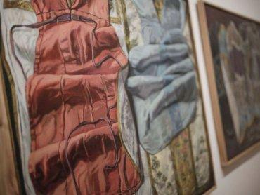 """Fragment wystawy """"W istocie rzecz"""" Aldony Mickiewicz w Muzeum Górnośląskim, (fot. Witalis Szołtys)"""