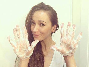 Akcję Cała Polska Myje Ręce wspierają też osoby znane. Na zdjęciu Dorota Czaja (fot. mat. CPMR)
