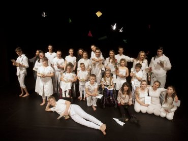 Przedstawienie współtworzą dzieci pełnosprawne z niepełnosprawnymi (fot. mat. organizatora)