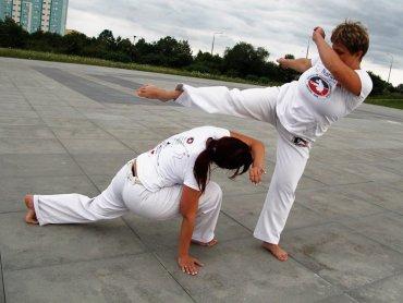 Capoeira to brazylijska sztuka walki łącząca w sobie elementy walki i tańca (fot. mat. organizatora)