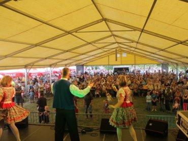 Na imprezie z okazji święta dzielnicy Hajduki Wielkie co roku bawią się całe rodziny (fot. mat. organizatatora)