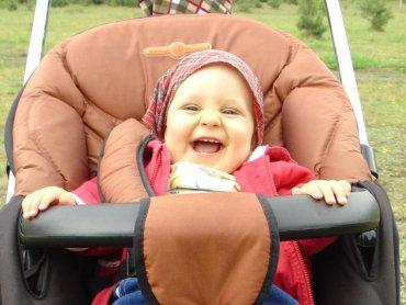 W spacerówce maluch może się czuć równie dobrze jak w gondoli (fot. kod)