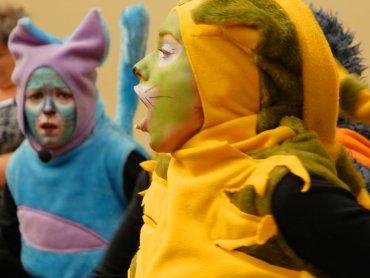 """""""Koty trzy"""" poznacie na najbliższym spektaklu w Teatrze Gry i Ludzie (fot. mat. Teatr Gry i Ludzie)"""