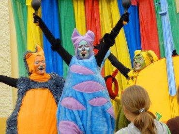 """""""Koty Trzy"""" to spektakl, który obejrzycie w ramach Podwieczorków Teatralnych w Teatrze Gry i Ludzie (fot. mat. organizatora)"""