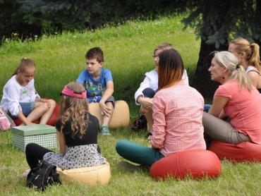 Podczas wykładów na trawie dzieci dowiedzą się wielu przydatnych rzeczy (fot. materiały organizatora)