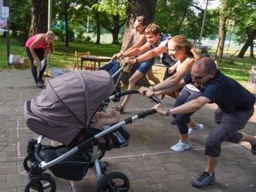 """Niedziela 12 lipca 2015 r. Bielsko-Biała. """"Wyścigi wózków"""" (fot. BuggyGym)"""
