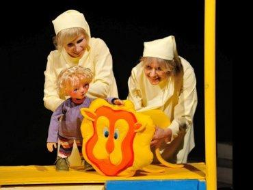 Warto oswajać dzieci z teatrem od najmłodszych lat (fot. materiały Teatru Ateneum)
