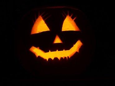 Na warsztatach dzieci stworzą dyniowe potwory oraz przebrania halloweenowe (fot. pixabay)