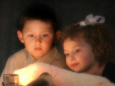 Dla dzieci wiara w cuda jest ważnym elementem świąt. Dzięki niej przeżywają je oni zupełnie inaczej niż dorośli (fot. sxc.hu)