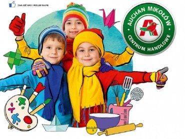 Dla dzieci przygotowano 20 stanowisk z różnego rodzaju klockami, kolorowankami, krzyżówkami (fot. mat. organizatora)
