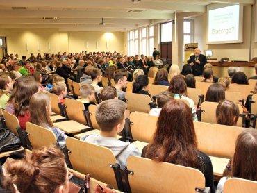 Poprzednia edycja Festiwalu Nauki organizowanego w Wyższej Szkole Biznesu w Dąbrowie Górniczej (fot. mat. WSB)