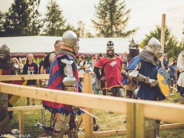 Rycerze i średniowieczne kramy pojawią się w Orzeszu 27 sierpnia (fot. Julia Szymańczyk)