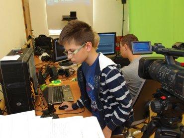 Dzieci i młodzież mogą poznać bliżej sztukę tworzenia filmu na zajęciach AKF Zagłębie (fot. mat. organizatora)