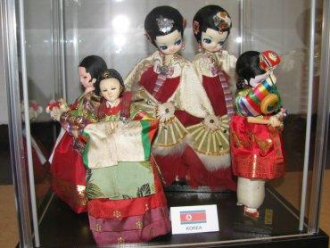 Lalki z całego świata można podziwiać w Stacji Artystycznej Rynek w Gliwicach (fot. materiały prasowe)