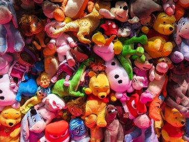 Giełda to świetny sposób na pozbycie się zabawek, którymi nasze dziecko się już niebawi i nabycie nowych (fot. pixabay)