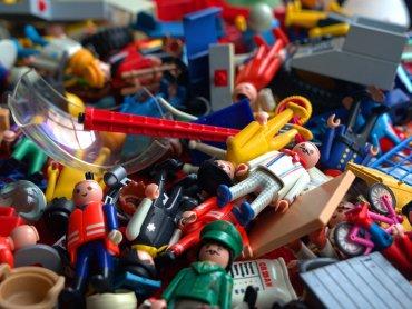 Giełda zabawek używanych to okazja do zrobienia porządku w zabawkach dziecka (fot. mat. pixabay)
