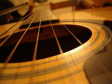 Na warsztatach Annum Kids dzieci poznają różne instrumenty (fot. foter.com)