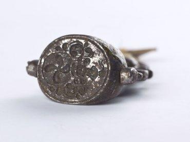 Na zdjęciu biżuteria ze zbiorów Muzeum Górnośląskiego (fot. Tomasz Szemalikowski)