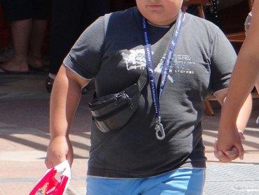 W Polsce rośnie liczba otyłych dzieci (fot. foter.com)