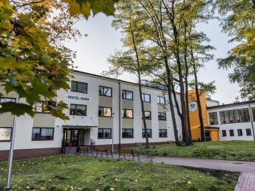 Hostel przy Kopalni Guido w Zabrzu będzie teraz pełnił także rolę placówki kulturalno-rozrywkowej (fot. mat. prasowe)