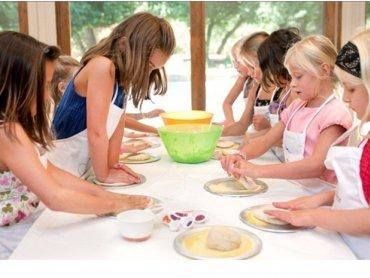 Dużym powodzeniem cieszą się warsztaty kulinarne organizowane w lokalu (fot. materiały restauracji Hubertus)