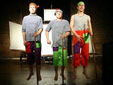 """""""Morskie opowieści Kapitana Guliwera"""" to zabawny spektakl pełen przygód (fot. mat. Teatr Gry i Ludzie)"""