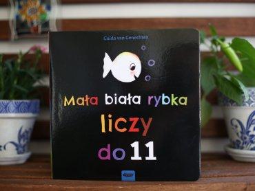"""""""Mała biała rybka liczy do 11"""" to czwarta książka o przygodach rybki od wydawnictwa Mamania (fot. Ewelina Zielińska)"""
