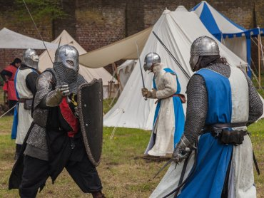 Walki rycerskie to tylko część atrakcji jakie przygotowano na IV Jarmark Średniowieczny w Bytomiu (fot. pixabay)