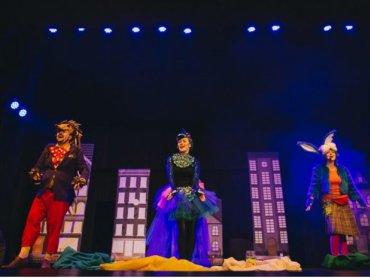 Spektakl uczy najmłodszych jak dbać o środowisko (fot. Teatr Mały)