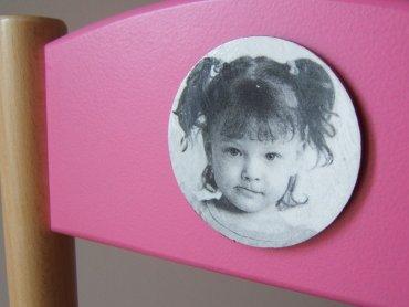 Krzesełko ze specjalnie wkomponowanym zdjęciem pociechy lub jego imieniem jest do wygrania w naszym konkursie (fot. materiały Galeria Miau)