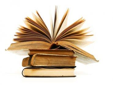 Warto przekonać dzieci, że czytanie książek to przyjemność, dając im dobry przykład (fot.sxc.hu)