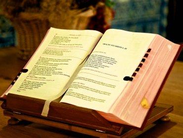 Światowy Dzień Książki i Praw Autorskich obchodzony jest 23 kwietnia (fot. foter.com)
