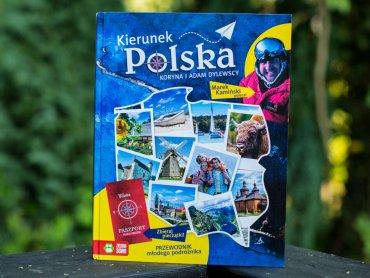 """""""Kierunek Polska"""" to przewodnik dla młodych podróżników wydany przez Zieloną Sowę (fot. Ewelina Zielińska)"""