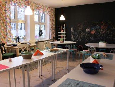 Jedna z sal Szkoły Podstawowej nr 11 w Tychach przemieniła się w profesjonalnie wyposażoną kuchnię (fot. materiały prasowe)