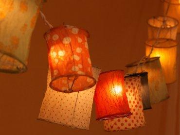 """Magiczne lampiony stworzycie na zajęciach z cyklu """"Rodzic i ja"""" (fot. pixabay)"""