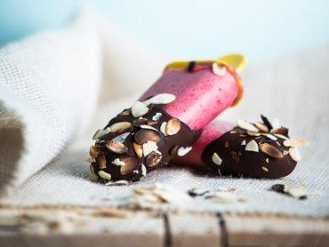 """Duet malinowo-bananowy (fot. mat. z książki """"LODOVO"""" Jolanty Kleser)"""