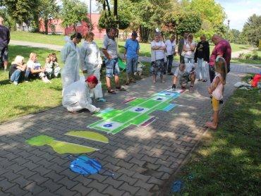 """Otwarciu """"Malowanych Placów Zabaw"""" będą towarzyszyć gry i zabawy dla dzieci (fot. mat. organizatora)"""