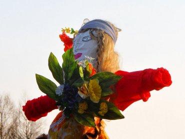 Marzanna symbolizuje zimę i śmierć (fot. wikipedia.org)