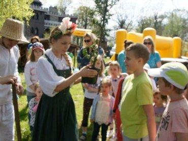 Ekologiczne zabawy i recyklingowa twórczość czekają na odwiedzających Warownię  (fot. mat. organizatora)